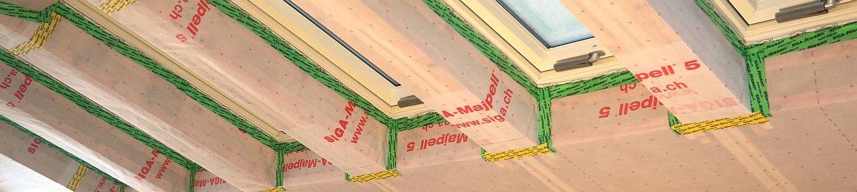 Luftdichtes Abkleben der Dampfdbremse für Bauschadensfreiheit und optimale Behaglichkeit