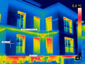 Fehlende Kellerwärmedämmung am ansonsten gut gedämmten Gebäude