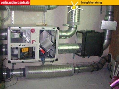Zentrales Lüftungsgerät mit Wärmerückgewinnung, Abb.: Verbraucherzentrale