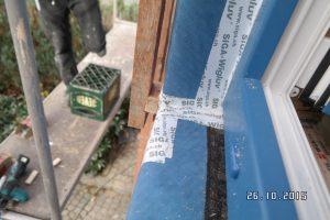 Winddichte Abklebungen im Bereich der Laibungen und Fensterrahmen