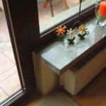 Bis nach außen reichende, nicht thermisch getrennte Fensterbank