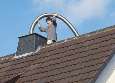 Schornsteinsanierung mittels flexiblen Edelstahlrohr für Brennwertetchnik