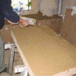 Vorbereitung des Einbaus von Holzfaserdämmplatten (Innendämmung)