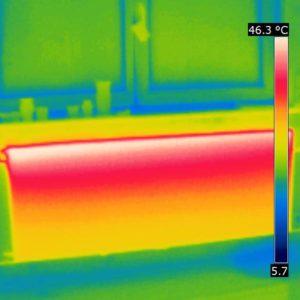 Thermogramm eines gut durchströmten Plattenheizkörpers bei niedriger Vorlauftemperatur