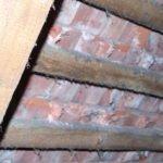 intaktes Kaltdach ohne Dachgeschossausbau und ohne Dämmung