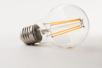 Leuchtmittel mit LED in alter Glühlampenform, Sockel E27