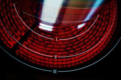 Infrarotheizfläche mit Abdeckung aus Glaskeramik (Ceranherd)
