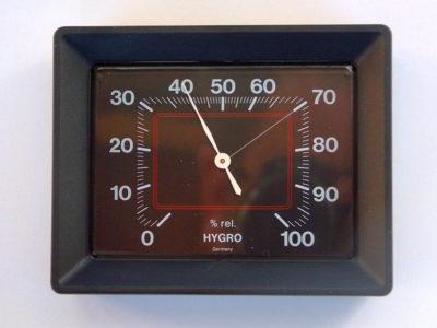 Hygrometer mit einem empfohlenen Bereich von 40 bis 70%